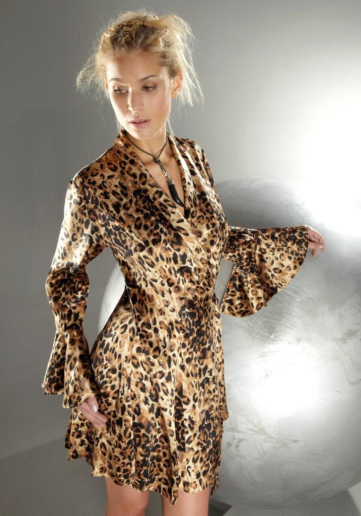 animal print nachtw sche tortuga leopard von gattina. Black Bedroom Furniture Sets. Home Design Ideas