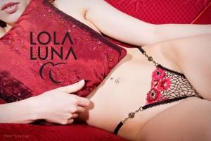 Panama String mit neuem Schmuckelement von Lola Luna