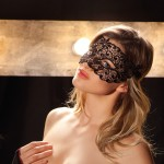 Maske aus Häkelspitze Demi von Trasparenze