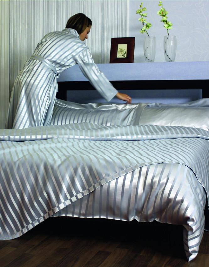 seidenbettw sche aus plauen limba azur oder limba natur. Black Bedroom Furniture Sets. Home Design Ideas