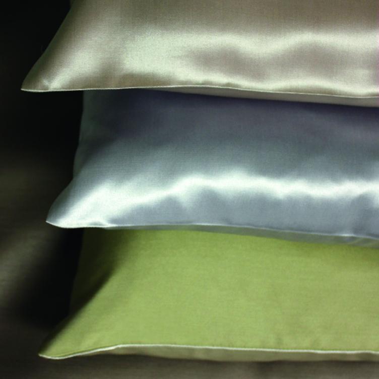 seide kissenbezug helios von der plauener seidenweberei. Black Bedroom Furniture Sets. Home Design Ideas